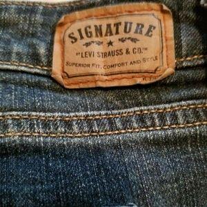 Levi's Jeans - $ Just Reduced..Women Levi Signature Jeans